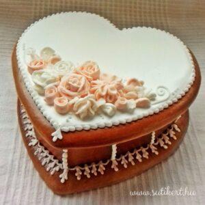 Szív alakú mézeskalács doboz