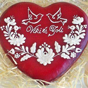 Piros matyó mézeskalács szív nászajándék